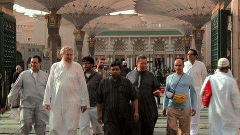 Sacred Journeys -- The Birthplace of Islam (The Hajj)