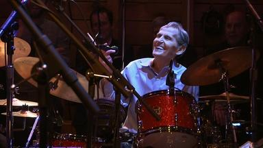 "Quick Hits: Levon Helm Performs ""The Weight"""