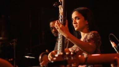 Quick Hits: Anoushka Shankar performs Si No Puedo Verla