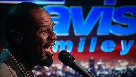 Tavis Smiley -- Brian McKnight Performance