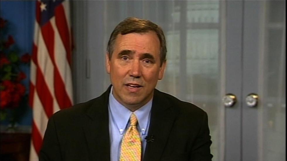 Oregon Sen. Jeff Merkley image