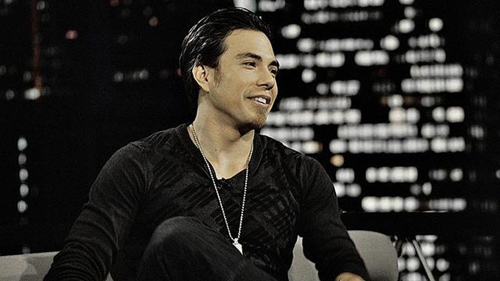 Olympic speed skating champion Apolo Ohno image