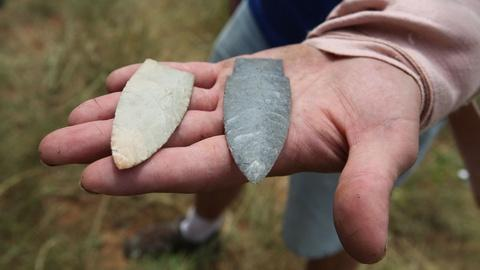 Time Team America -- S1: Flintknapping