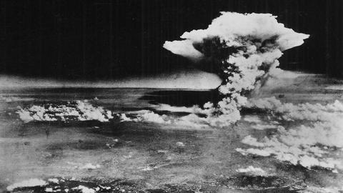 Washington Week -- Obama will travel to Hiroshima, Supreme Court preview
