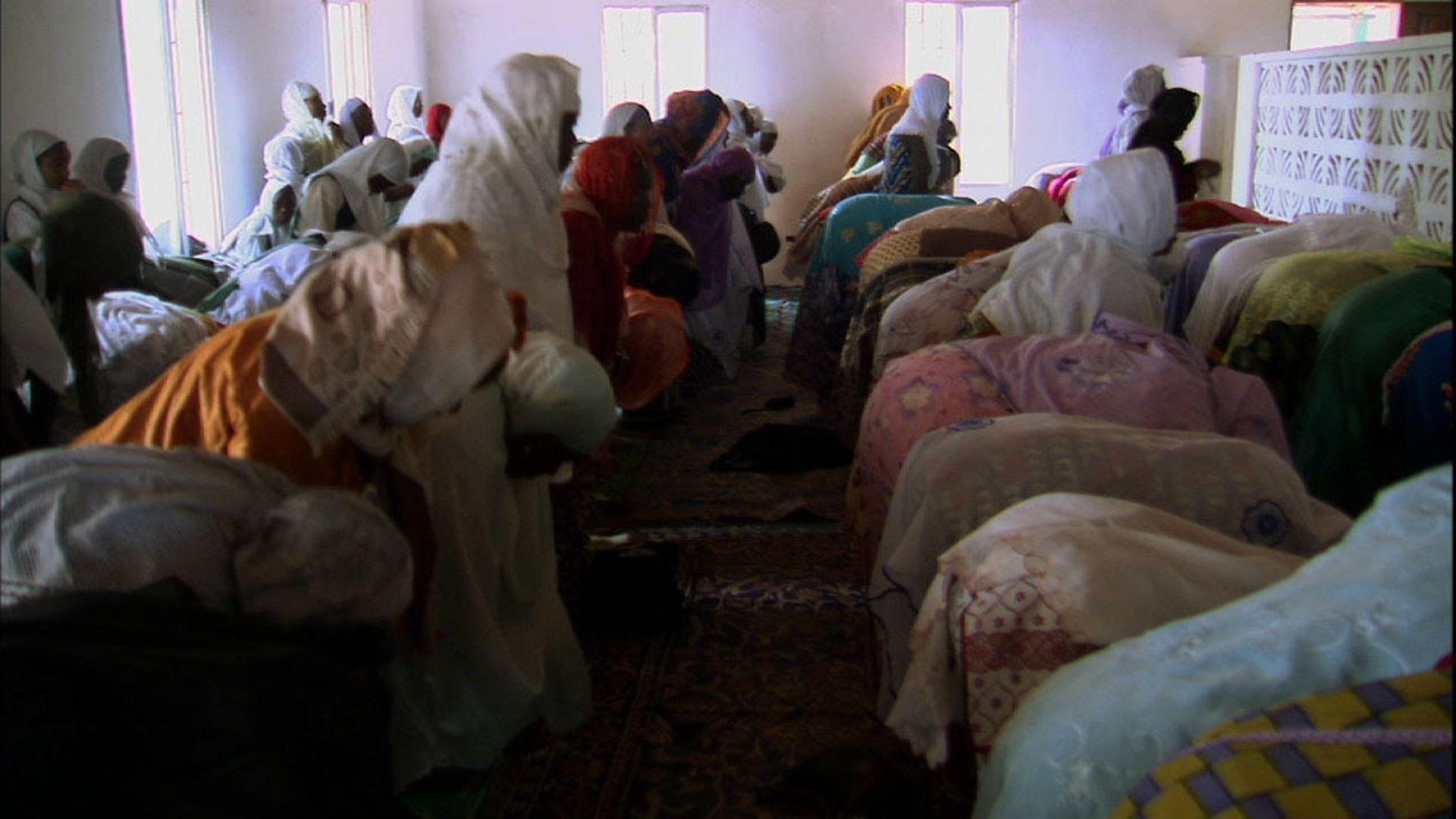 shop Prison of women: