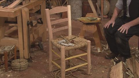 S36 E1: Van Gogh's Chair