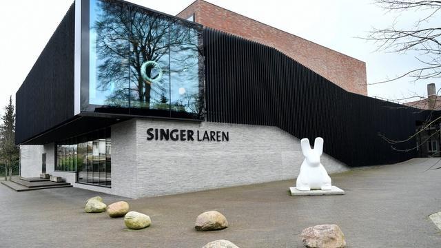 News Wrap: Van Gogh painting stolen from Dutch museum