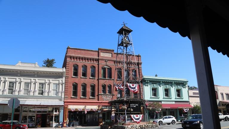 ViewFinder: Walkin' California - Placerville