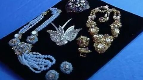 Antiques Roadshow -- Appraisal: Costume Jewelry Collection