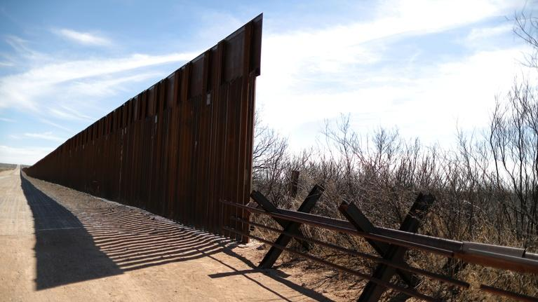 PBS NewsHour: How residents from El Paso feel about border barriers