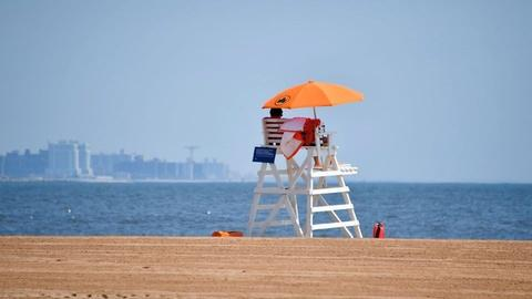 MetroFocus -- Long Island Beaches Prepare for Memorial Day Weekend