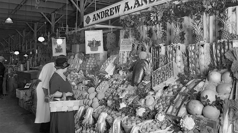 James Beard's mother was at the center of Portland's market. image