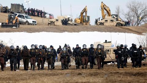 News Wrap: Judge halts Dakota Access Pipeline until review