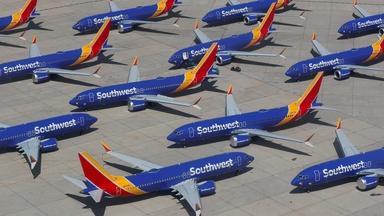 News Wrap: Southwest canceled thousands of weekend flights