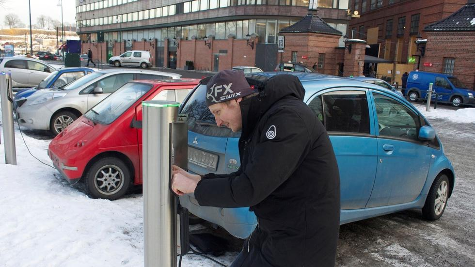 How Norway's government made electric cars irresistible image