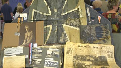 Antiques Roadshow -- S21 Ep23: Appraisal: World War I 103rd Aero Squadron Collect