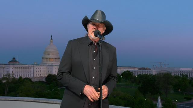 """Trace Adkins Performs """"Still a Soldier"""""""