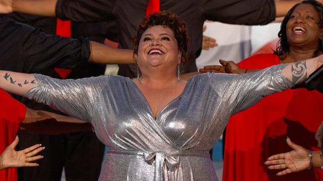 "Keala Settle performs ""This Is Me"""