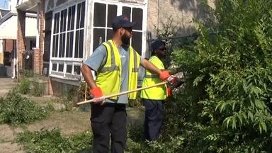Cleaning up Camden: City workers and volunteers get going