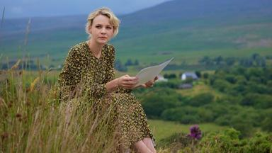 Carey Mulligan Learns About Her Grandfather's 21st Birthday