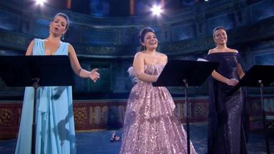Behind the Scenes | Three Divas at Versailles