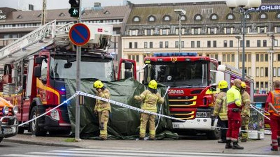 News Wrap: 2 stabbed to death in Finland attack image